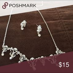 💕 Beautiful crystal necklace and earring set 💕 💕 Beautiful crystal necklace and earring set 💕 unbranded Jewelry Necklaces
