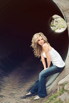 good senior picture idea ..... I did this for one of my senior pics. Didnt turn out this nice.