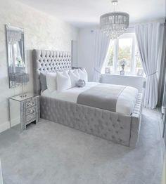 Grey Bedroom Decor, Decor Home Living Room, Bedroom Decor For Teen Girls, Room Design Bedroom, Stylish Bedroom, Small Room Bedroom, Home Bedroom, Bedroom Inspo, Bedroom Ideas