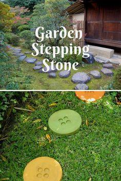 Creative DIY stepping stones projects #gardenstonepath Garden Steps, Easy Garden, Pallet Walkway, Garden Stepping Stones, Stone Path, Garden Crafts, Stone Painting, Yard Art, Amazing Gardens