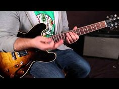 Blues Soloing Secrets - Unlocking The Pentatonic Scale - Guitar Lesson - Transitions Blues Guitar Lessons, Acoustic Guitar Lessons, Guitar Tips, Guitar Chords, Music Lessons, Pentatonic Scale Guitar, Guitar Scales, Blue Guitar, Music Writing