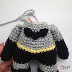 Batman Amigurumi – Minasscraft Patrones Amigurumis Crochet Lovey Free Pattern, Minion Crochet Patterns, Batman Amigurumi, Batman Free, Crochet Batman, Crochet Doll Tutorial, Crochet Art, Sewing Basics, Half Double Crochet
