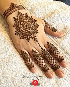 Mehndi henna designs are always searchable by Pakistani women and girls. Women, girls and also kids apply henna on their hands, feet and also on neck to look more gorgeous and traditional. Henna Flower Designs, Henna Tattoo Designs Simple, Finger Henna Designs, Henna Art Designs, Mehndi Designs For Beginners, Bridal Henna Designs, Unique Mehndi Designs, Flower Henna, Mehndi Designs For Fingers