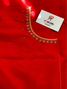 Hand Work Blouse Design, Simple Blouse Designs, Sari Blouse Designs, Bridal Blouse Designs, Princess Cut Blouse, Simple Embroidery Designs, Indian Fashion Dresses, Aari Embroidery, Embroidery Stitches