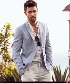 light grey pants + white shirt + light blue blazer- I wish he came with the outfit! Fashion Moda, Look Fashion, Mens Fashion, Fashion Spring, Fashion Trends, Sharp Dressed Man, Well Dressed Men, Light Blue Blazers, Summer Blazer