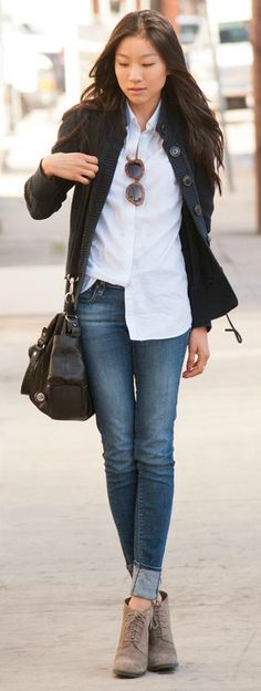 The combination of laced ankle boots, or any ankle boot for that matter, and skinny jeans is considered a classic. It is a safe bet if you are in doubt about what to ear. Via Angela Lee Jeans: H&M, Shoes: Franco Sarto