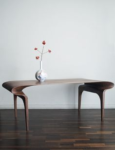 The Contour Table by Bodo Sperlein