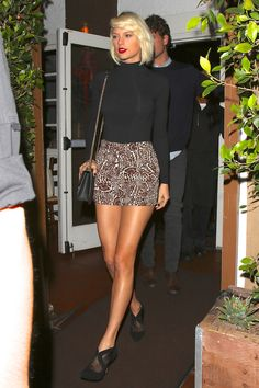 Taylor out for dinner in Los Angeles 5.12.16