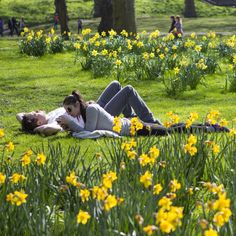 Pin for Later: British Sun-Seekers Come Out in Droves to Celebrate the Spring Weather