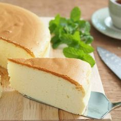 Soft and light durian cheese cake.