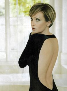 Famous Stars, Sexy, Short Hair Styles, Hair Beauty, Poses, Celebrities, Music, Fashion, Haircuts