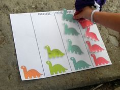 Sugar Bee Learning: Dinosaur Color Graphing Math Game for Preschoolers with Printable