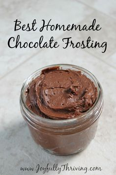 The Best Homemade Chocolate Frosting You'll Ever Taste Best Homemade Chocolate Frosting - This is the richest and most delicious chocolate frosting recipe you will ever make. It is such an easy frosting recipe that everyone should try this one! Chocolate Icing Recipes, Homemade Chocolate Frosting, Delicious Chocolate, Chocolate Frosting Recipe For Cupcakes, Chocolate Chocolate, Easy Chocolate Fudge Frosting Recipe, Homemade Cake Icing, Chocolate Frosting For Brownies, Brownie Icing