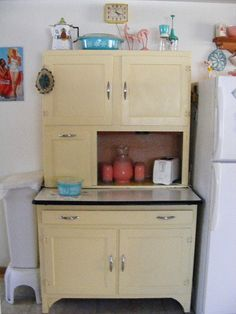 Hoosier Cabinet by jackie121467, via Flickr
