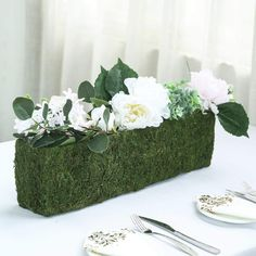 Get Close to Nature with Tableclothsfactory's Ever Green Range of Preserved Natural Moss Decoration Supplies. Buy Moss Weaved Baskets, Moss Planter Box, Moss Fillers, Moss Balls, and more! Planter Box Centerpiece, Moss Centerpieces, Diy Planter Box, Green Wedding Decorations, Table Decorations, Rectangular Planter Box, Design Tisch, Eucalyptus Garland, Small Plants
