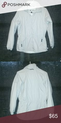 Perfect Columbia coat This Columbia jacket is in perfect condition.  No rips, tears or stains.  Zipper in working order.  Measurements : Shoulder to Hip : 26 inches Chest : 19 inches Pit to Hip : 16 inches Columbia Jackets & Coats