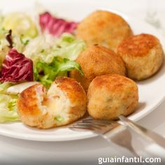 Traditional British croquettes used Lancashire cheese, so we've created this version using the wonderfully crumbly Shorrock's Lancashire Bomb. Diabetic Recipes, Baby Food Recipes, Cooking Recipes, Healthy Recipes, Croquettes Recipe, Les Croquettes, Lancashire Cheese, Good Food, Yummy Food