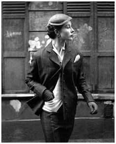 Piqué suit by Manguin, photo by Georges Dambier, ELLE, March 2, 1953