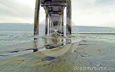 Scripps oceanography pier stretches far into the San Diego ocean