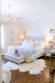 Pink + Blue Summer Bedroom - 3 simple steps for the perfect summer bedroom - Ran. Pink + Blue Summer Bedroom - 3 simple steps for the perfect summer bedroom - Randi Garrett Design Home Decor Bedroom, Chic Bedroom, Girl Bedroom Decor, Bedroom Decor, Room Ideas Bedroom, Bedroom Inspirations, Bedroom Design, Summer Bedroom, Home Decor