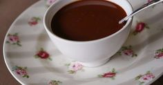 Sauce chocolat légère. Sauce chocolat facile et rapide, légère, sans beurre ni oeuf ni crème !. La recette par Chef Simon.