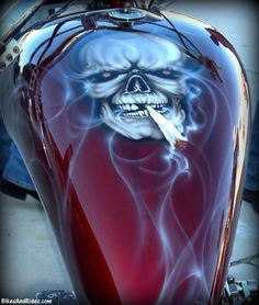 Sharp as Hell👍 Airbrush Art, Airbrush Designs, Custom Motorcycle Paint Jobs, Custom Paint Jobs, Air Brush Painting, Car Painting, Custom Tanks, Motorcycle Tank, Custom Airbrushing