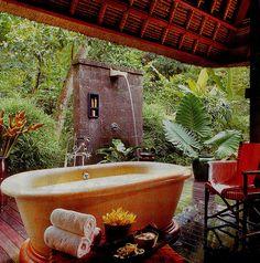 outdoor bathroom...in my dreams
