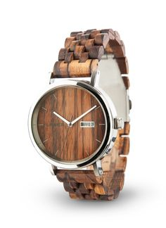 """Model automatických hodiniek ROBERTO je vyrobený z dreva Zebrano, pričom puzdro je vyrobené z chirurgickej ocele. Táto kombinácia robí z týchto hodiniek ideálneho spoločníka pre každú príležitosť. Zvlášť užitočné je aj zobrazenie dňa a dátumu. Pre toto zariadenie je charakteristické aj automatické naťahovanie """"21 jewels"""", vďaka ktorému sa hodinky naťahujú prirodzeným pohybom vašej ruky.  #laimer #drevenehodinky #wood #woodenwatch #watch Wood Watch, Watches, Accessories, Wooden Clock, Wristwatches, Clocks, Jewelry Accessories"""