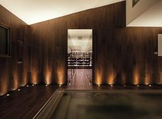 Wet Internal is a natural wood cladding for interior walls and ceilings, highly resistant to moisture and suitable for bathrooms, gyms, saunas, swimming pools and porches.
