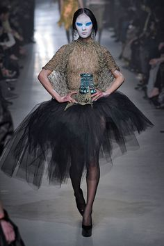 Vivienne Westwood outono-inverno 2013/14 | Lilian Pacce