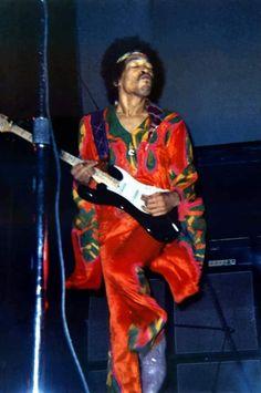 Jimi Hendrix funking it out Jimi Hendrix Experience, Psychedelic Music, Best Guitarist, Amy, Janis Joplin, Afro Punk, Rock Legends, Blues Rock, Jim Morrison