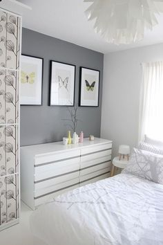Love the wall color !!