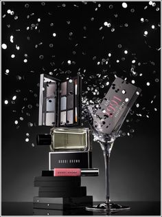 Fab Over 40 shows us the Bobbi Brown Holiday 2011 Collection. From eye shadows with shimmer and lips that shine, Bobbi Brown makes a party! Beauty Junkie, Bobbi Brown, Beauty Makeup, Make Up, Brown Makeup, Party, Holiday, Photography, Collection
