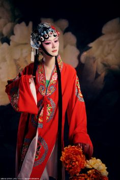 Chinese opera lady in red