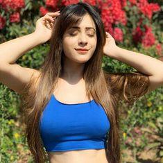 Lovely Girl Image, Beautiful Girl Photo, Girls Image, Stylish Girl Images, Stylish Girl Pic, Fashion Photography Poses, Girl Photography, Hiba Nawab, Bollywood Girls
