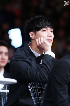 Exo Lay <3 Seriously, this guy could be so cute and f* sexy in the same time. Its killlin' me xD