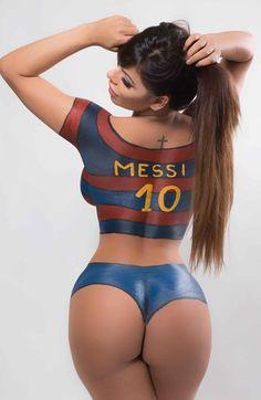 Suzy Cortez tutta nuda dipinta solo con i colori del Barcellona   GUARDA