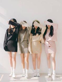 Marishe Korean Fashion Similar Look I Pin By Aki Warinda Friend Outfits, Girl Outfits, Cute Outfits, Best Friend Pictures, Bff Pictures, Fashion Couple, Girl Fashion, Fashion Shoes, Korean Couple