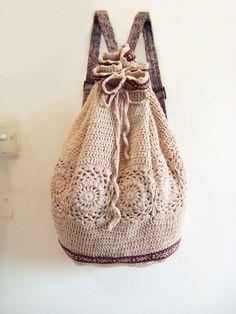 手工勾花的背包