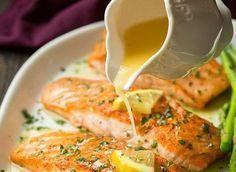 The best salmon recipe with garlic and lemon butter!- La meilleure recette de saumon au beurre à l'ail et citron! This recipe is absolutely fantastic! Salmon is good and the sauce is absolutely mind-blowing with a little secret ingredient … - Best Salmon Recipe, Salmon Recipes, Fish Recipes, Seafood Recipes, Healthy Dinner Recipes, Healthy Snacks, Cooking Recipes, Healthy Drinks, Super Dieta