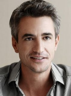 Dermot Mulroney - so handsome. and such a silver fox Matthew Mcconaughey, Celebrity List, Celebrity Crush, Look At You, How To Look Better, Catherine Keener, Gorgeous Men, Beautiful People, Dermot Mulroney
