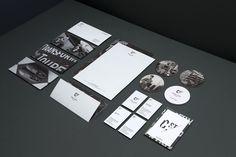 Le studio de design graphique australienMotherbird a développé l'identité graphique du centre de divertissement dynamique, chic et branché,...