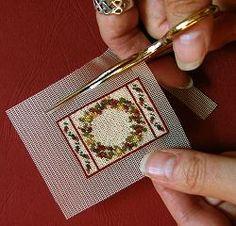 Dollhouse needlepoint tutorial -