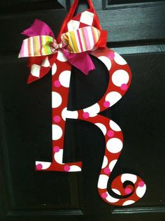 March Door Hanger.....Colors: Pinks, Lime Green,White and Chocolate Brown