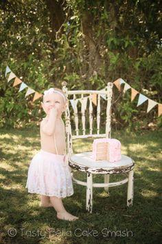 Tasty Bella Cake Smash // Sunshine Coast // first birthday // girl // lace tutu // pearls // bunting // vintage // pink
