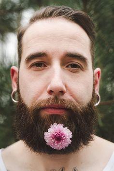 La Femme Gribouillage, Wedding Photography FR http://lafemmegribouillage.fr ----------------fleurs flowers beard beards alternative groom