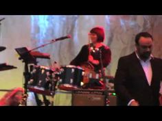 The Decemberists - The Rake's Song - Live at Rock the Garden 2009 (good song)