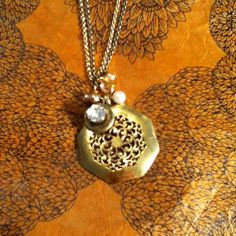 \ dwallacedesigns 1800's button pendant necklace.