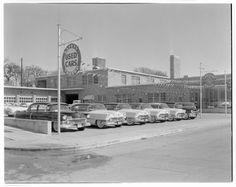 Cadillac Oldsmobile Dealership 1956 NJ 8 x 10 Photograph Old Used Cars, Used Car Lots, Retro Cars, Vintage Cars, Vintage Auto, Vintage Photos, Buick, Nissan, Kentucky