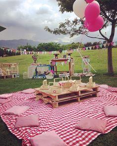 Picnic globos y detalles Backyard Birthday, Picnic Birthday, Baby Birthday, Backyard Bbq, Farm Party, Bbq Party, Party Ideas For Teen Girls, Teddy Bear Birthday, Garden Party Decorations